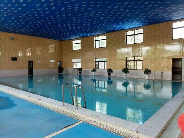 大荔县龙首温泉度假村室内游泳池装修升级迎宾客,vip优惠更诱人
